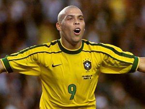Chàng thiên tài bóng đá có tuổi thơ đầy cơ cực