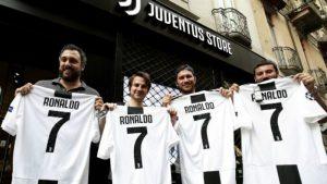Đặt tên áo bóng đá tiếng Anh hay theo tên cầu thủ nổi tiếng