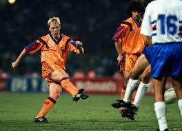 Ronald Koeman có gốc là cầu thủ người Hà Lan