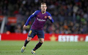 Arthur Melo cũng là tiền vệ trong Barcelona đội hình