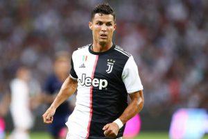 Tiền đạo Bồ Đào Nha Ronaldo trong Juventus đội hình