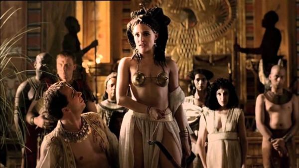 Rome - Bộ phim với nhiều cảnh nóng chân thực
